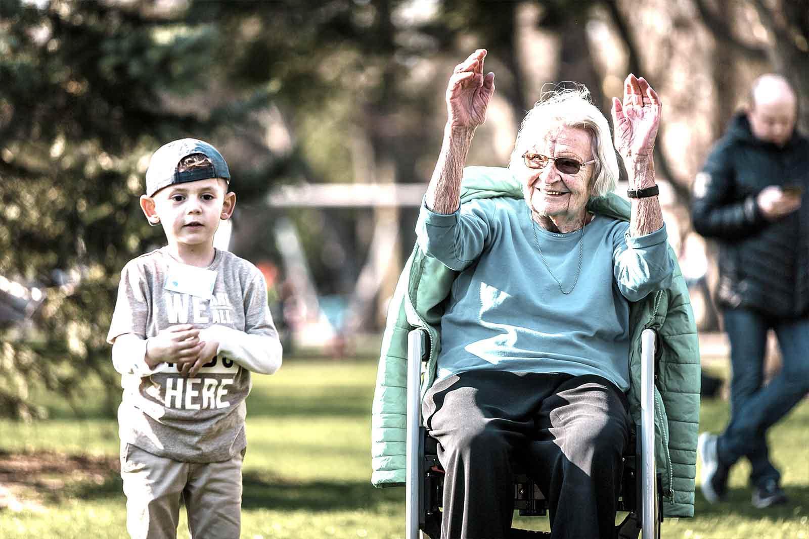 Generationengerechter Bewegungs- und Begegnungsraum