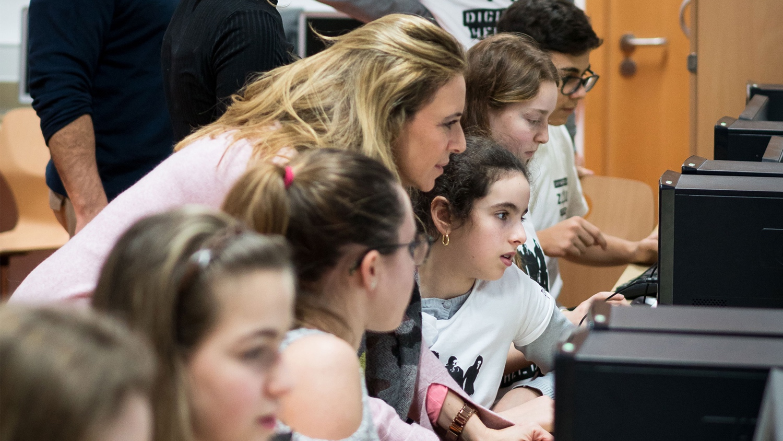 Digitale Helden: Schüler als Experten für die digitale Welt