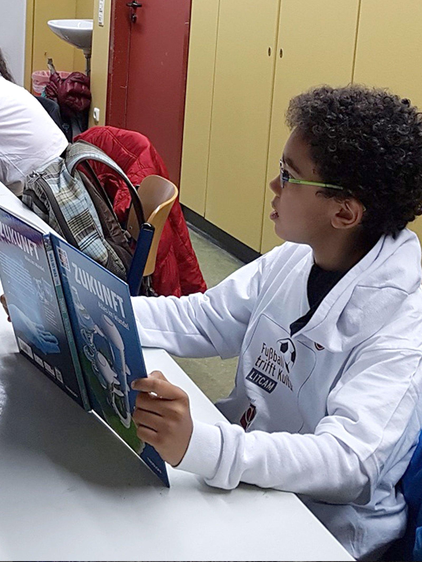 Fußball trifft Kultur: Freistoß für neues Lernen
