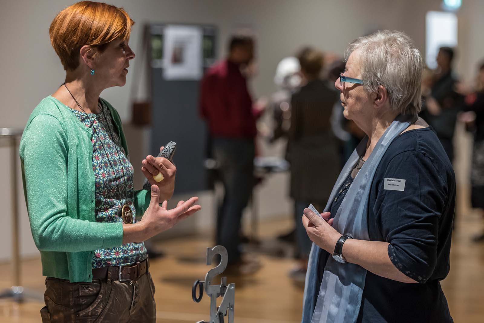 Angeregter Austausch im Rahmen eines Anlasses von TiM – Tandem im Museum